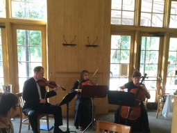 Dinner With Strings Attached with the Pensacola Symphony Orchestra #downtownpcola #jacksonsrestaurant #dinnerwithstringsattached #dinnerandashow #pensacola #pensacolasymphonyorchestra
