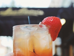 Cheers to the weekend, @downtownpensacola #jacksonssteakhouse